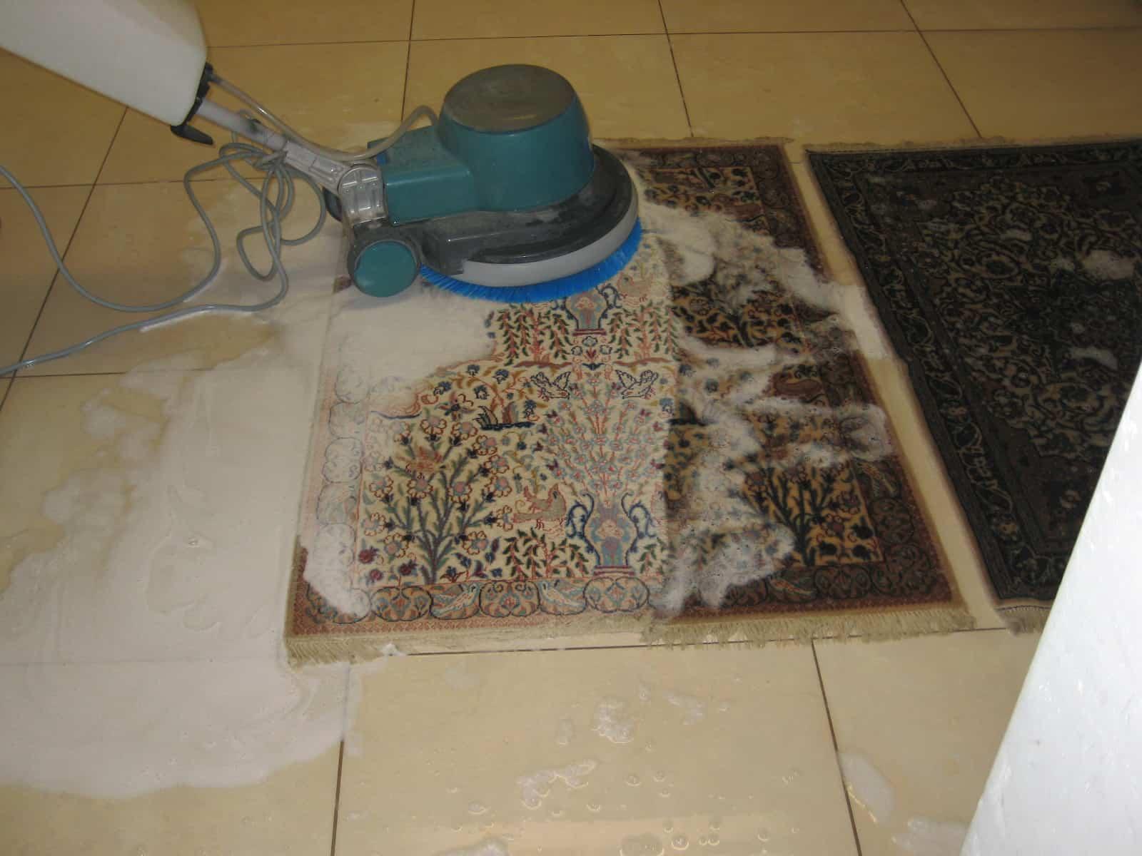 Astuces de nettoyage de tapis qui peuvent le sauver